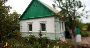 Будинок в селі Старопетрівка